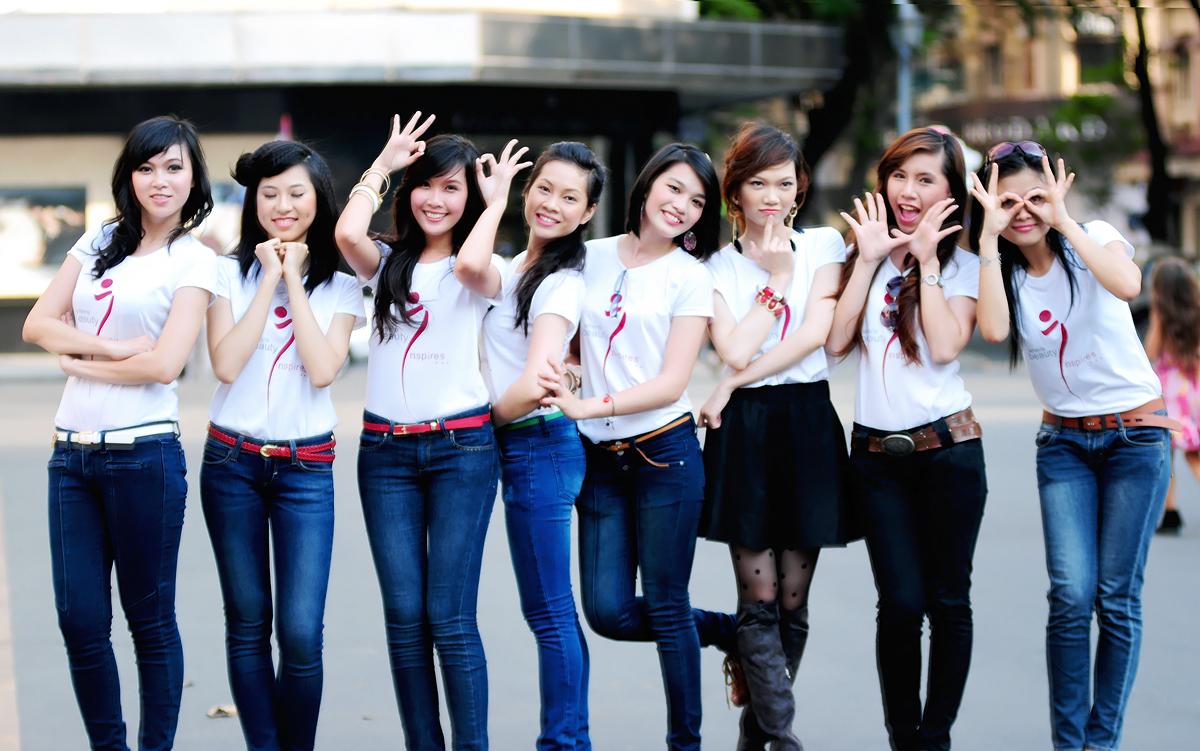 1332820496_Miss Ngoai thuong 11
