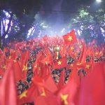 U23 Việt Nam vào chung kết: Sinh viên Ngoại thương đồng loạt vỡ oà trong vui sướng!